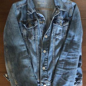 Women's XL Gap denim jacket.